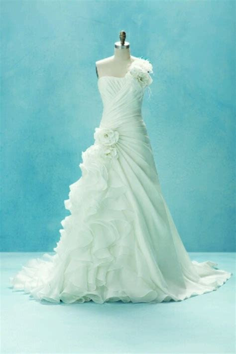 17 Best images about Wedding dresses on Pinterest   Bow