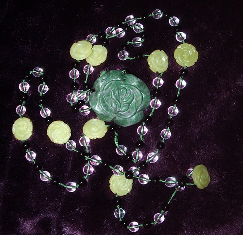 Paternoster with flat rose marker beads