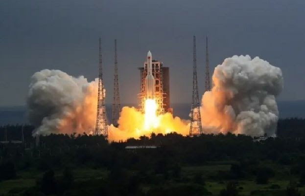 Chinese rocket debris lands in Indian Ocean | world news of today