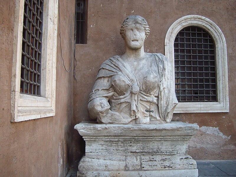 File:Madama Lucrezia Roma piazza San Marco.JPG