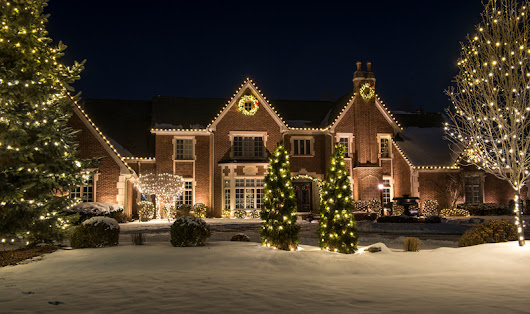 Reap the Benefits of Professional Holiday Lighting - Enjoy the Holidays