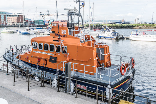 RNLB WINDSOR RUNNER - CIVIL SERVICE NO.42 [A VISIT TO THE TITANIC QUARTER IN BELFAST]