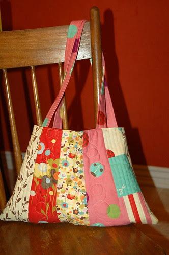 Wonderland Bag - side a