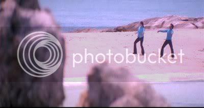 http://i298.photobucket.com/albums/mm253/blogspot_images/Unnai%20Ninaithu/PDVD_042.jpg