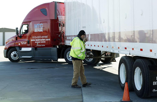 Truckers' pay surges as shipping increases