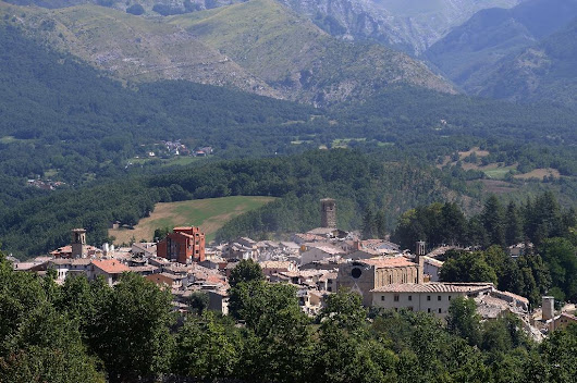 Italy's chefs take to the stoves for quake victims