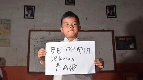 Puisi Bahasa Sunda Tentang Guru Dan Artinya - KT Puisi