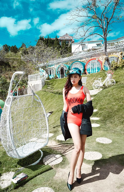 Mỹ nhân Việt gây sốt với ảnh bikini... trên núi lạnh 11 độ C - 9