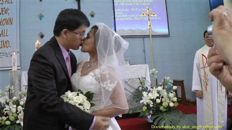 Best Wedding Kiss Ever Taiwanese married to Filipino   YouTube