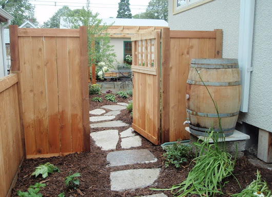 10 Inspiring Ideas for a Seldomly Used Side Yard