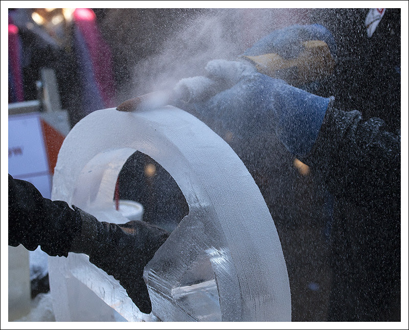 Ice Carving in St Charles 2013-01-26 5