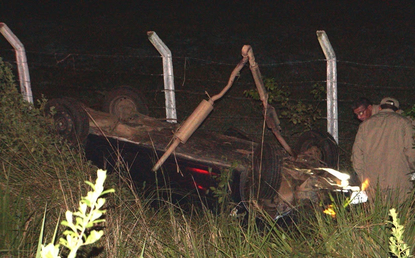 Motorista relatou que perdeu o controle do veículo (Foto: Cristiano Alves)