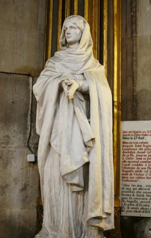 Escultura de la Santa. Iglesia de San Agustín, París (Francia).