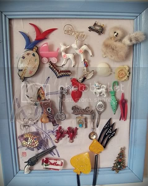 vintage novelty brooch collection from Va-Voom Vintage