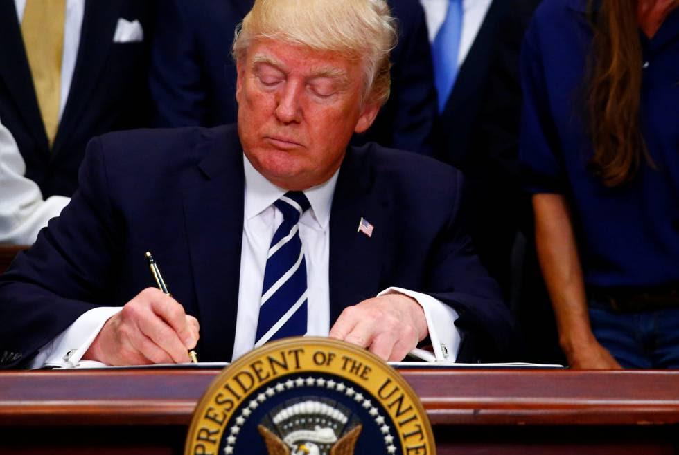 Trump firma una iniciativa sobre aprendizaje y empleo este jueves en Washington.