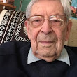 World's oldest selfie-taker says Brexit is 'unnecessary'