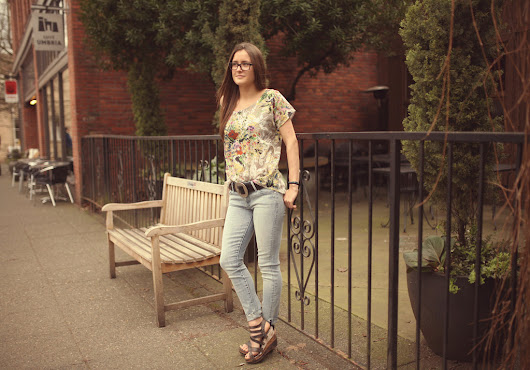 How We Wear: The Cowgirl Belt – Horseshoe Boutique