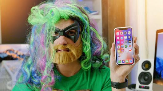 Vloggers Try to Trick the iPhone X Face ID Feature With Masks, Facial Hair and Identical Twins