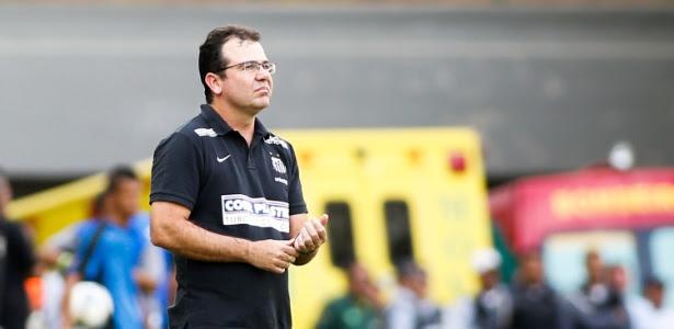 Preferido de Peter Siemsen e Fred, Enderson Moreira comandou o Santos em 2014