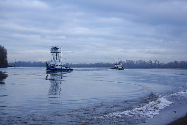 tugboats on the willamette, kelley point