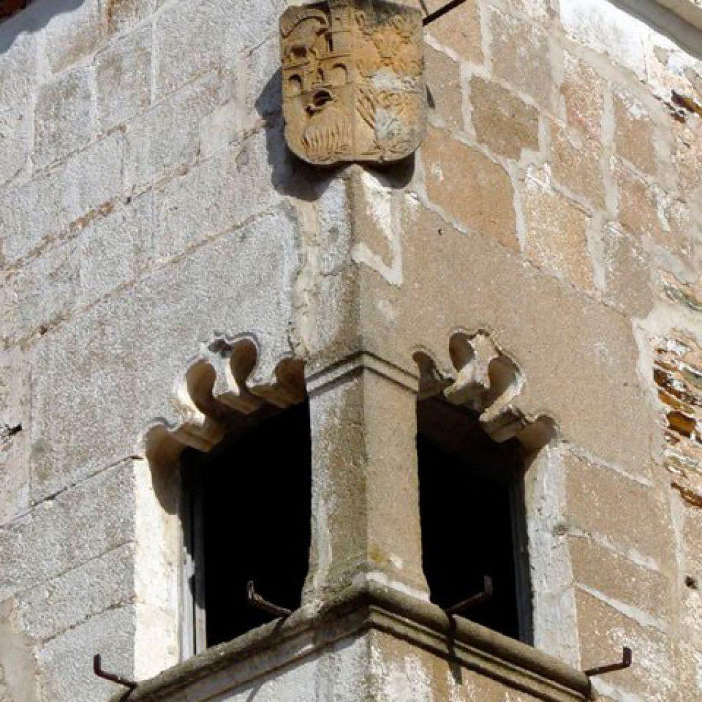Resultado de imagen de ventanas y puertas esquineras de extremadura