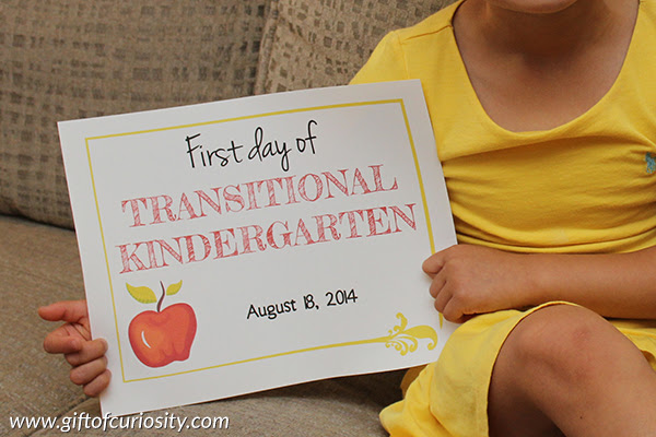 Free printable First Day of School signs for kids starting pre-school ...
