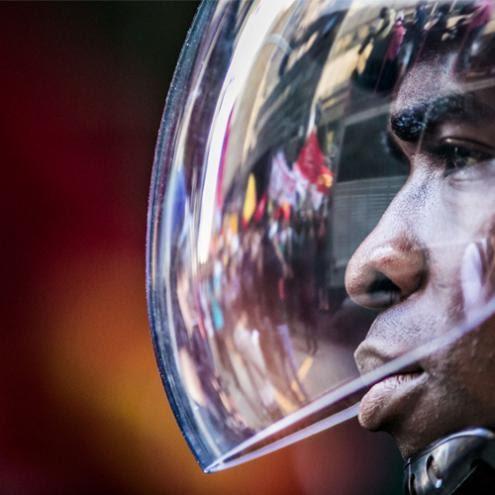 A violência nas ruas e o fim do capital por David Harvey