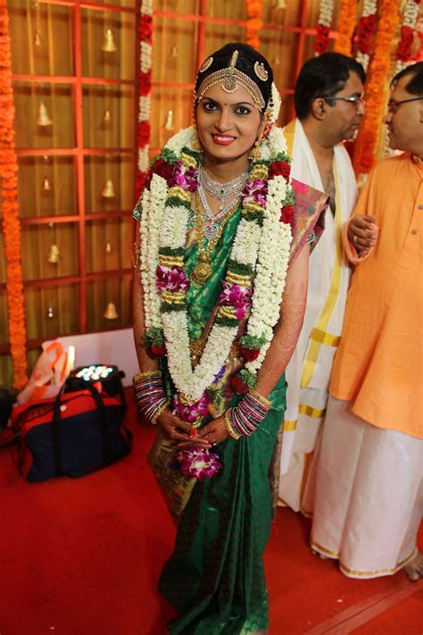 green bridal sari orchid garland diamong jewellery iyer