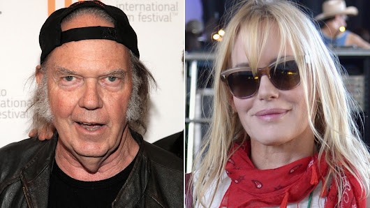 Neil Young, Daryl Hannah look like a couple on cozy lunch date
