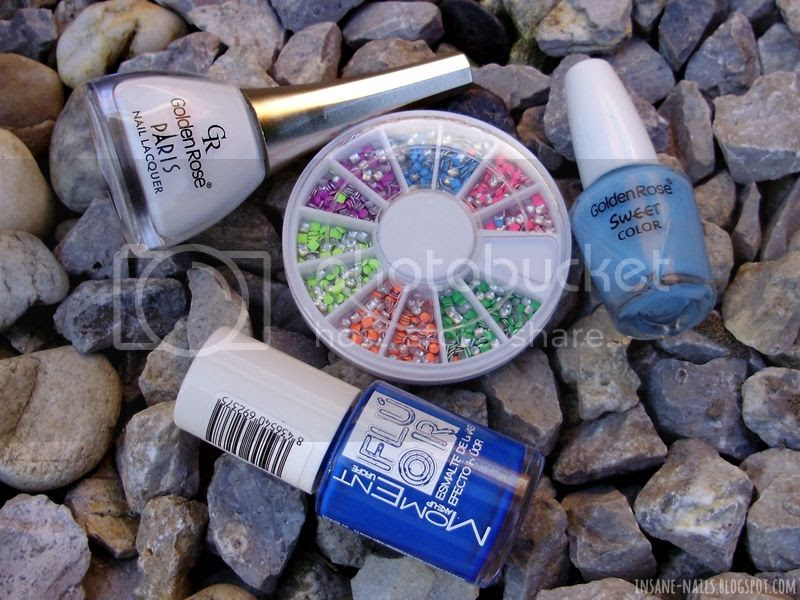 photo blue-colorblock-nails-8_zps1dae8228.jpg