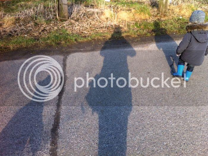 Schatten beim Spaziergang