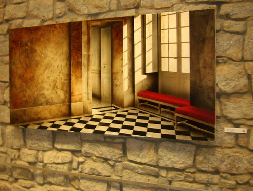 PA020977-LeFlash-Besharat-Alain-Gazier-Blue-Checked-Floor
