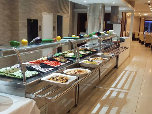 Buffet Dinner including Drinks at Alexandra Hotel