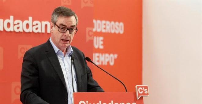 El vicesecretario general de Ciudadanos, José Manuel Villegas, durante la rueda de prensa de este domingo, tras la reunión de la Ejecutiva. EFE/Víctor Lerena