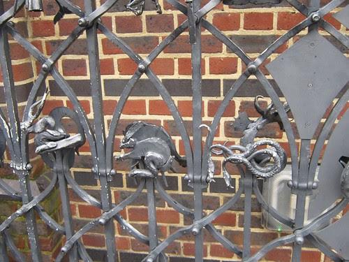 75-Globe Gates