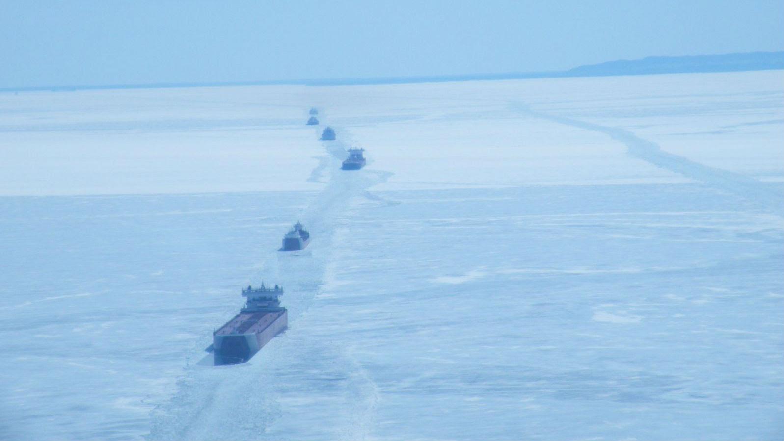 ships in ice