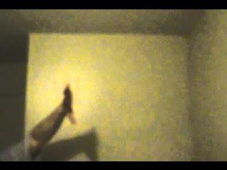 Misteriosa Huella de Fantasma Captada en Video / Ghost Mystery Hand Print Caught on Camera