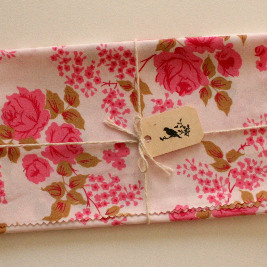 Vintage Fabric, Pink Rose Print, Sewing, Fat Quarter