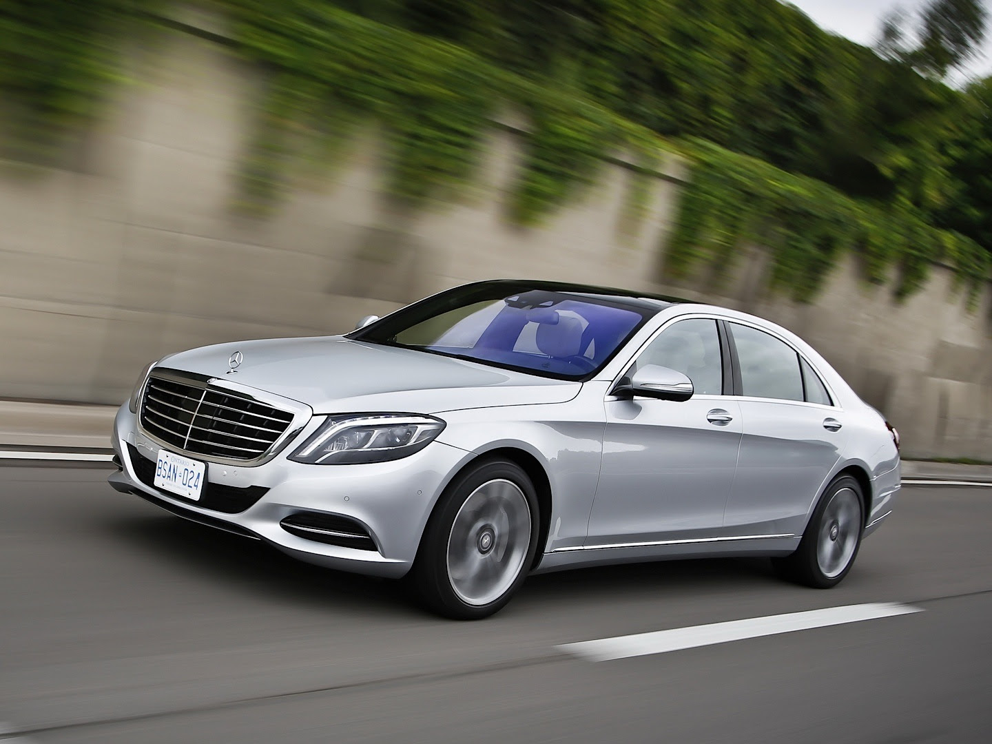 Mercedes-Benz S350 BlueTec Review by CAR - autoevolution