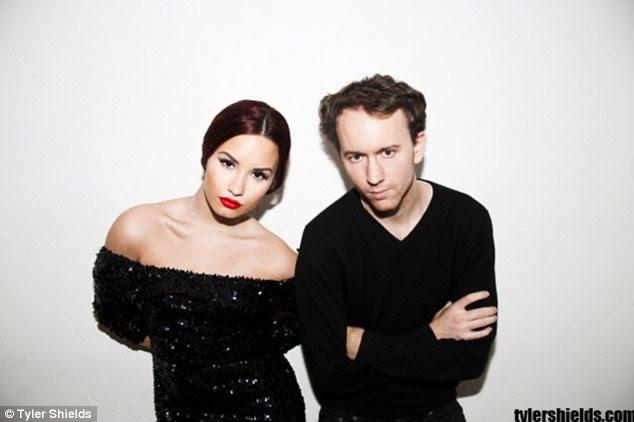As imagens de Demi irá apresentar no show de Tyler Beyond the Gates, que abre em Imite Modern em 24 de fevereiro