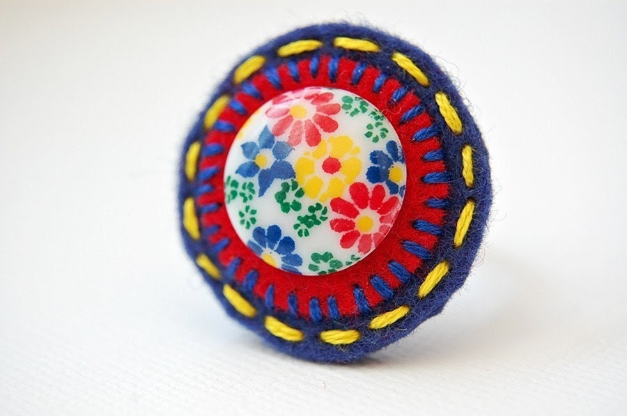 Midcentury Button Ring