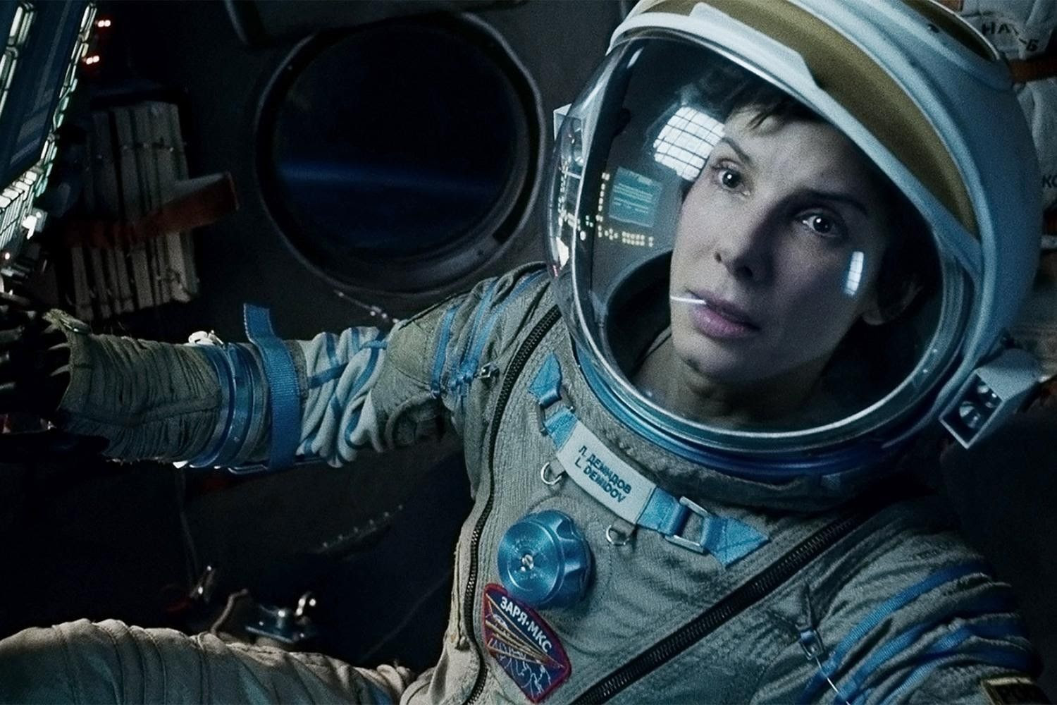 Sandra Bullock : Gravity photo gravity-movie-review-sandra-bullock-suit-2.jpg