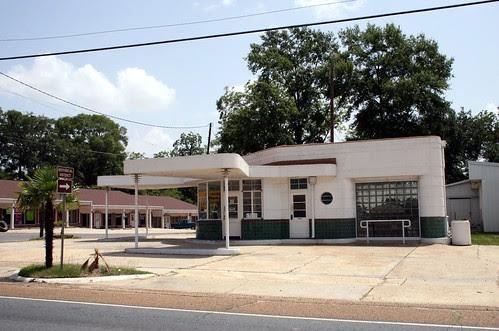 leesville gas station