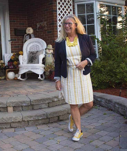 Old Navy Linen Shift and a Classic Blazer - A Labour of Life