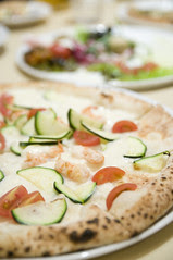 Pizzeria Mar-De Napoli, Youga