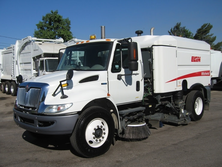 Our street sweepers for sale are of the finest brands, particularly elgin's top units like broom bear, eagle, pelican, and road wizard. 2010 Elgin Whirlwind Street Sweeper For Sale by Prince Motors