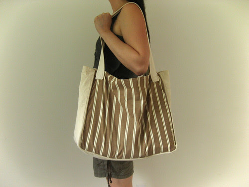piped tote