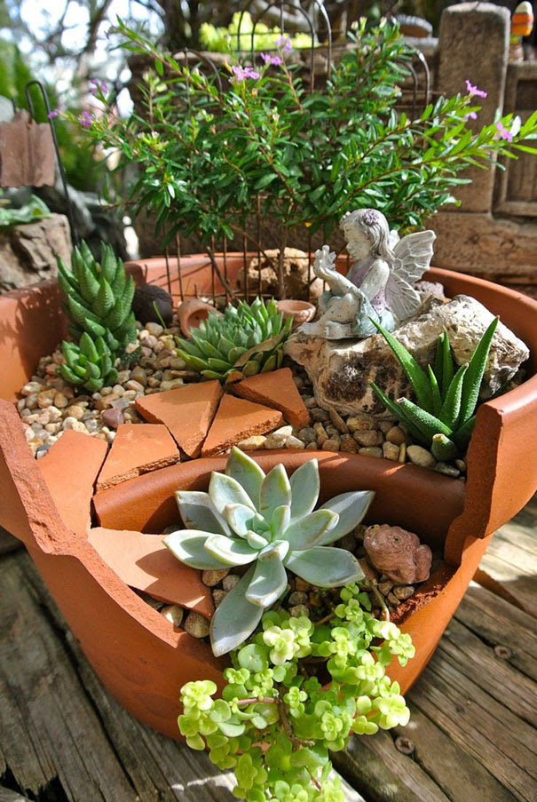 broken-pot-fairy-garden-16