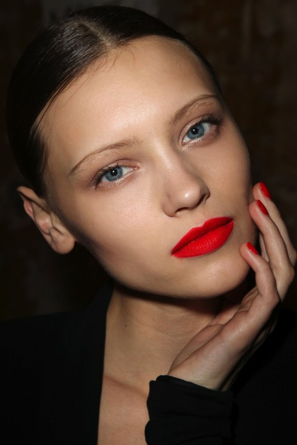 Red lipstick on small lips