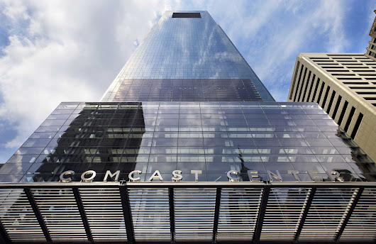 Comcast: It's 'insulting' to think there's anything shady about us paying $110,000 to honor an FCC commissioner